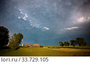 Купить «Prairie Storm Clouds in Saskatchewan Canada Mammatus», фото № 33729105, снято 2 июня 2020 г. (c) age Fotostock / Фотобанк Лори