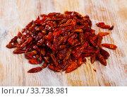 Купить «Hot red cayenne pepper», фото № 33738981, снято 25 мая 2020 г. (c) Яков Филимонов / Фотобанк Лори