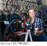 female is posing with bicycle. Стоковое фото, фотограф Яков Филимонов / Фотобанк Лори