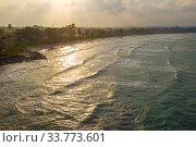 Побережье Индийского океана у города Тринкомали солнечным вечером. Шри-Ланка. Стоковое фото, фотограф Виктор Карасев / Фотобанк Лори