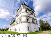 Купить «Church of St. John the Theologian in Nicolo-Vyazhishchsky monastery», фото № 33774105, снято 23 августа 2019 г. (c) FotograFF / Фотобанк Лори