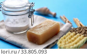 Купить «laundry soap, brush, washing soda and clothespins», видеоролик № 33805093, снято 28 мая 2020 г. (c) Syda Productions / Фотобанк Лори