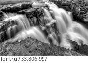 Купить «Athabasca Waterfall Alberta Canada river flow and blurred water», фото № 33806997, снято 11 июля 2020 г. (c) age Fotostock / Фотобанк Лори