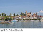 Купить «Rapperswil am Zürichsee mit Burg und Kirche St. Johannes», фото № 33809837, снято 27 мая 2020 г. (c) age Fotostock / Фотобанк Лори