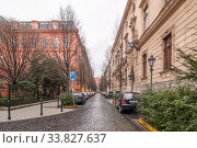 View of the Reviczky street in Budapest, Hungary (2016 год). Редакционное фото, фотограф Алеся Дмитриенко / Фотобанк Лори