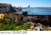 Contrast views of Montevideo port (2017 год). Стоковое фото, фотограф Яков Филимонов / Фотобанк Лори