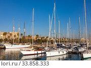 Купить «Image of yachts at Port Vell in Barcelona, nobody», фото № 33858333, снято 9 января 2020 г. (c) Яков Филимонов / Фотобанк Лори