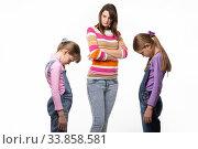 Купить «Девочкам стыдно перед мамой, мама их отчитывает», фото № 33858581, снято 15 мая 2020 г. (c) Иванов Алексей / Фотобанк Лори