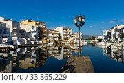 Residential marina in Empuriabrava, Spain (2019 год). Стоковое фото, фотограф Яков Филимонов / Фотобанк Лори
