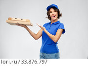 Купить «delivery woman with takeaway pizza boxes», фото № 33876797, снято 26 марта 2020 г. (c) Syda Productions / Фотобанк Лори