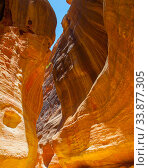 Gorge with rocks of red sandstone in Petra, Стоковое фото, фотограф Роман Сигаев / Фотобанк Лори
