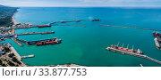 Купить «Краснодарский край, Туапсе, вид сверху на акваторию морского порта», фото № 33877753, снято 27 мая 2020 г. (c) glokaya_kuzdra / Фотобанк Лори