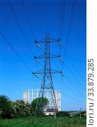 Pylon, Gasholder, Manor Park, Newham, London, England. Стоковое фото, фотограф Alex Bartel / age Fotostock / Фотобанк Лори