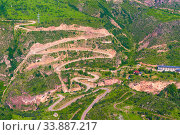 The Vorotan River Gorge and the winding serpentine in the mountains of Armenia, a landmark on the way to the Tatev Monastery. Стоковое фото, фотограф Константин Лабунский / Фотобанк Лори