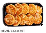 Plastic tray with almond cookies. Стоковое фото, фотограф Яков Филимонов / Фотобанк Лори
