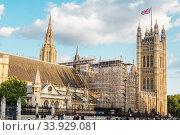 LONDON - AUGUST 19, 2017: - Palace of Westminster on restoration. Редакционное фото, фотограф Nataliia Zhekova / Фотобанк Лори