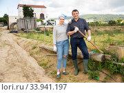 Portrait of farmer couple. Стоковое фото, фотограф Яков Филимонов / Фотобанк Лори