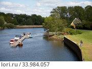 Germany, Bremen - dyke and jetty on the river Lesum, Bremen-North. Редакционное фото, агентство Caro Photoagency / Фотобанк Лори