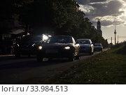 Berlin, Germany, road traffic on Frankfurter Allee at dusk (2019 год). Редакционное фото, агентство Caro Photoagency / Фотобанк Лори