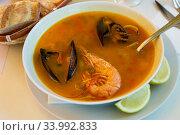 Shrimp soup with mussels and octopus - Mediterranean cuisine. Стоковое фото, фотограф Яков Филимонов / Фотобанк Лори