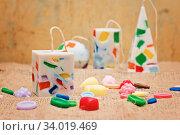 Купить «Handmade candles in the shape of a pyramid, cube, cylinder and sphere», фото № 34019469, снято 1 февраля 2017 г. (c) Nataliia Zhekova / Фотобанк Лори