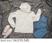 Купить «White hoody mock up, copy space for print design», фото № 34019545, снято 8 июня 2020 г. (c) Ольга Сергеева / Фотобанк Лори