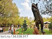 Тираннозавр Рекс (Tyrannosaurus rex) в парке динозавров SKAZKA в Крылатском. Москва. (2018год) Редакционное фото, фотограф Вера Смолянинова / Фотобанк Лори