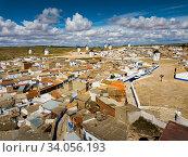 Roofs of town in La Mancha region. Campo de criptana. Spain (2019 год). Стоковое фото, фотограф Яков Филимонов / Фотобанк Лори