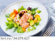 Купить «Ceviche of trout with avocado, cumquat, greens», фото № 34079621, снято 11 июля 2020 г. (c) Яков Филимонов / Фотобанк Лори