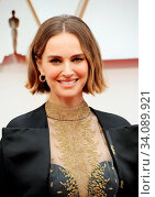 Natalie Portman at the 92nd Academy Awards held at the Dolby Theatre in Hollywood, USA on February 9, 2020. Стоковое фото, фотограф Zoonar.com/Lumeimages / age Fotostock / Фотобанк Лори