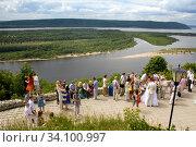 Russia Samara August 2016: View of the Volga from a helipad. Wedding photo shoot. (2010 год). Редакционное фото, фотограф Акиньшин Владимир / Фотобанк Лори