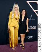 Aly Raisman and Lindsey Vonn at the Los Angeles premiere of 'Charlie's Angels' held at the Regency Village Theater in Westwood, USA on November 11, 2019. Стоковое фото, фотограф Zoonar.com/Lumeimages.com / age Fotostock / Фотобанк Лори