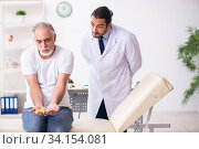 Купить «Patient suffering from diabetes visiting doctor», фото № 34154081, снято 3 октября 2019 г. (c) Elnur / Фотобанк Лори