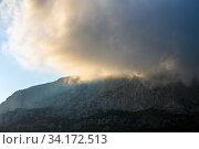 Beautiful clouds on top of a mountain in Crimea. Стоковое фото, фотограф Володина Ольга / Фотобанк Лори