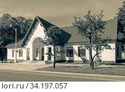 Купить «Moscow, Russia - June 13, 2020: VDNH park at sunny summer morning. Building 330. VDNH is popular historical place in Moscow», фото № 34197057, снято 13 июня 2020 г. (c) Григорий Стоякин / Фотобанк Лори