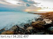 Shroud of raging sea on a rocky shore. Стоковое фото, фотограф Zoonar.com/Ivanov Aleksey y / easy Fotostock / Фотобанк Лори