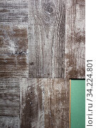 Купить «Laying laminate flooring. Laminate and substrate green.», фото № 34224801, снято 4 августа 2020 г. (c) age Fotostock / Фотобанк Лори