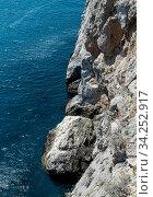 Seascape with a rock on the southern coast of Crimea (2019 год). Стоковое фото, фотограф Володина Ольга / Фотобанк Лори
