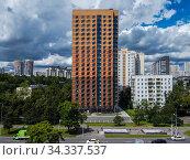 Москва, Черёмушки, жилой дом по программе реновации, построенный на Профсоюзной улице. Редакционное фото, фотограф glokaya_kuzdra / Фотобанк Лори