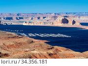 Купить «Lake Powell in desert Landscape and yacht Marinas recreation center...», фото № 34356181, снято 6 августа 2020 г. (c) easy Fotostock / Фотобанк Лори