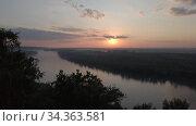 Sunshine dramatic sky on the river. Стоковое видео, видеограф Jan Jack Russo Media / Фотобанк Лори