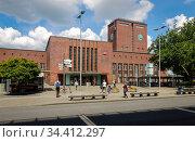 Central Station Oberhausen, Oberhausen, Ruhr Area, North Rhine-Westphalia, Germany. Редакционное фото, агентство Caro Photoagency / Фотобанк Лори