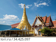 The Wat Chumphon Khiri in the town of Mae Sot in the Province of ... Стоковое фото, фотограф Zoonar.com/URF / age Fotostock / Фотобанк Лори