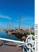 Hafen in Stavoren am IJsselmeer, Niederlande. Стоковое фото, фотограф Zoonar.com/Gabriele Sitnik-Schmach / easy Fotostock / Фотобанк Лори