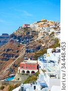 Fira town on the coast of Santorini (2018 год). Стоковое фото, фотограф Роман Сигаев / Фотобанк Лори