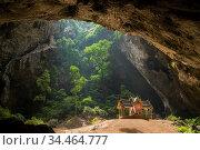 The Khua Kharuehat pavillion of the Tham Phraya Nakhon Cave and Hat... Стоковое фото, фотограф Zoonar.com/URS FLUEELER / age Fotostock / Фотобанк Лори