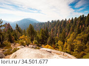 Viewing point from Generals Hwy thru Sequoia National Park in California... Стоковое фото, фотограф Zoonar.com/Chris Putnam / easy Fotostock / Фотобанк Лори