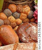 Brot, brote, brötchen, bäcker, bäckerei, essen, lebensmittel, nahrung... Стоковое фото, фотограф Zoonar.com/Volker Rauch / easy Fotostock / Фотобанк Лори