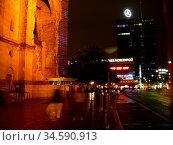 Berlin, kudamm, kurfürstendamm, gedächtniskirche, abend, abends, regen... Стоковое фото, фотограф Zoonar.com/Volker Rauch / easy Fotostock / Фотобанк Лори