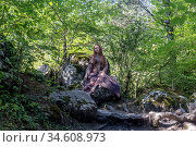 The elf women during Halloween in the forest. Стоковое фото, фотограф Татьяна Ляпи / Фотобанк Лори